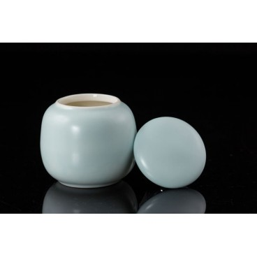 Light Blue Porcelain Tea Caddy for Organic Matcha